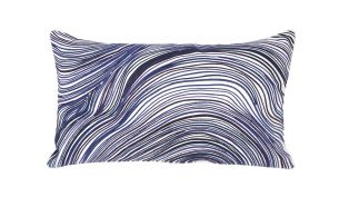 Iosis Beryl Kissen | Lapis | 33 x 57 cm