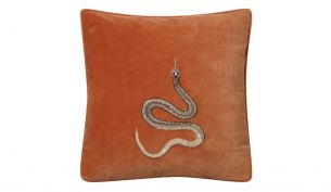Chhatwal & Jonsson Cobra Samtkissen 50 x 50 cm | Orange